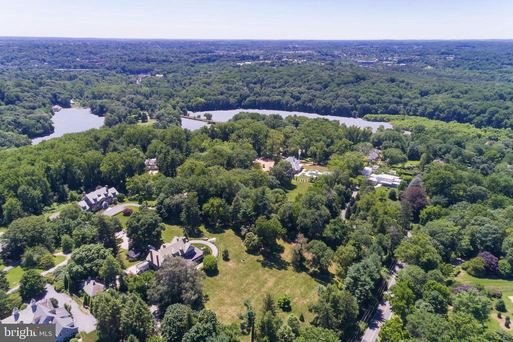 Aerial with Lake Roland - 7309 BRIGHTSIDE RD, BALTIMORE