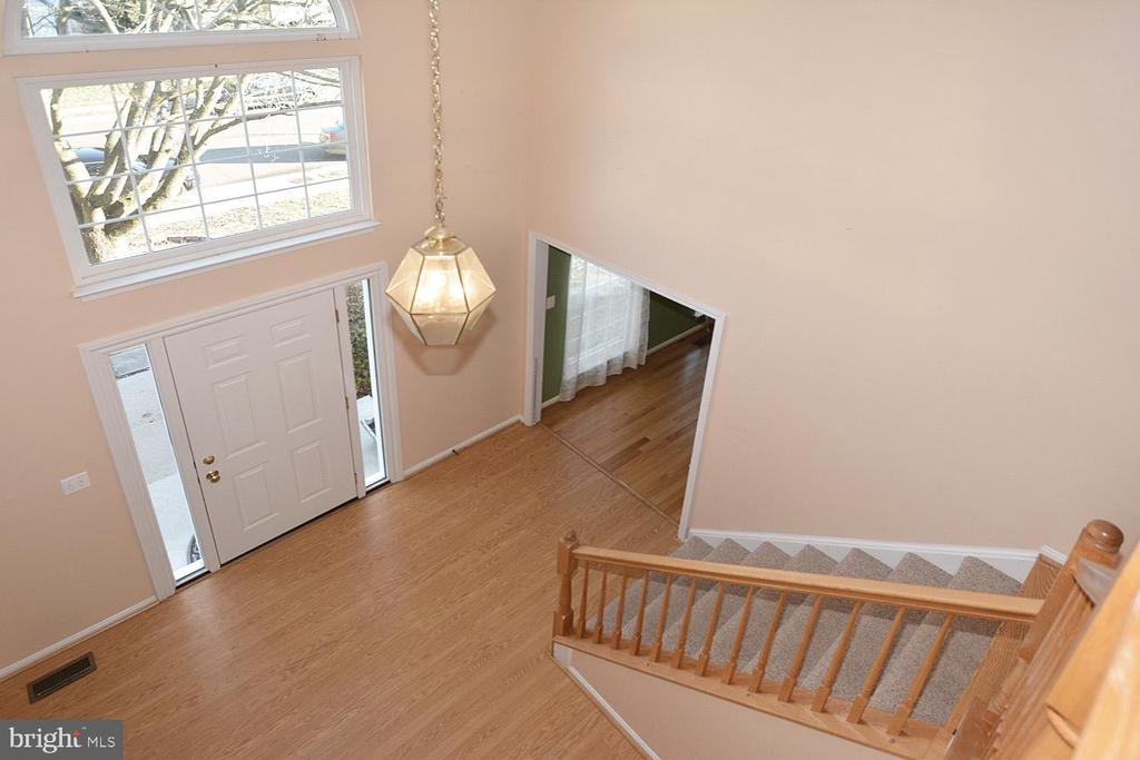 Two story foyer - 9337 S WHITT DR, MANASSAS PARK