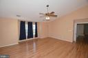Extra large Master bedroom with hard wood floors - 9337 S WHITT DR, MANASSAS PARK