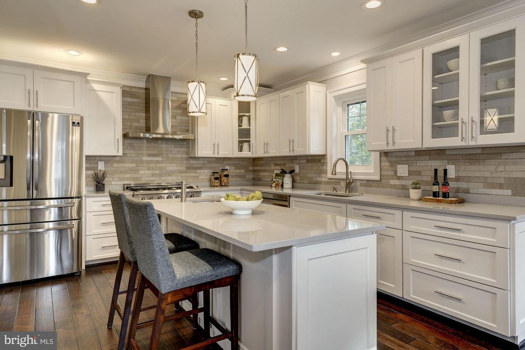 This special kitchen would be any chef's delight - 6626 31ST PL NW, WASHINGTON