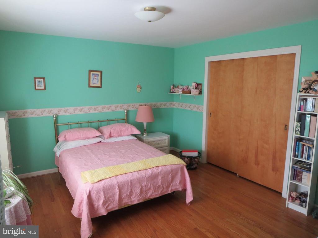 Bedroom 2 - 215 BROAD ST, MIDDLETOWN