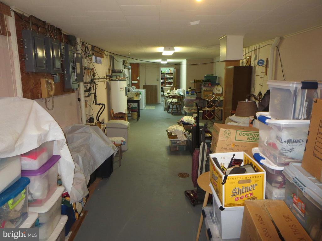 Unfinished storage area - 215 BROAD ST, MIDDLETOWN