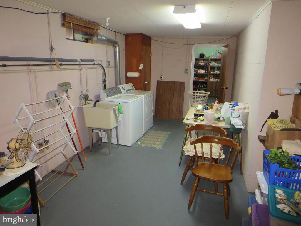 Laundry/utility area - 215 BROAD ST, MIDDLETOWN