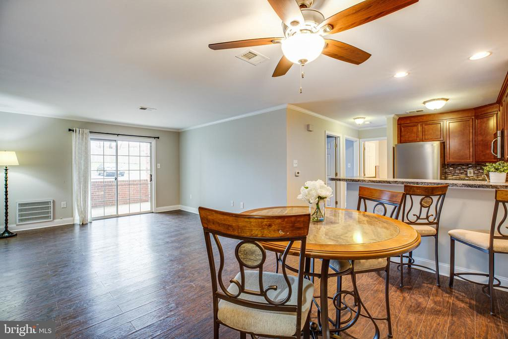 Recessed Lighting and Ceiling Fan! - 302 GROSVENOR LN #3, STAFFORD