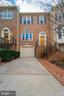 Beautiful One Car Garage Home - 3910 BARCROFT MEWS CT, FALLS CHURCH