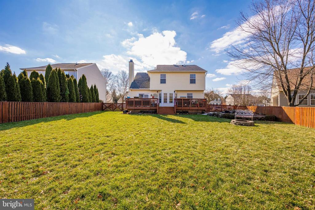 Large Back Yard - 111 CROSSTIMBER WAY, FREDERICK