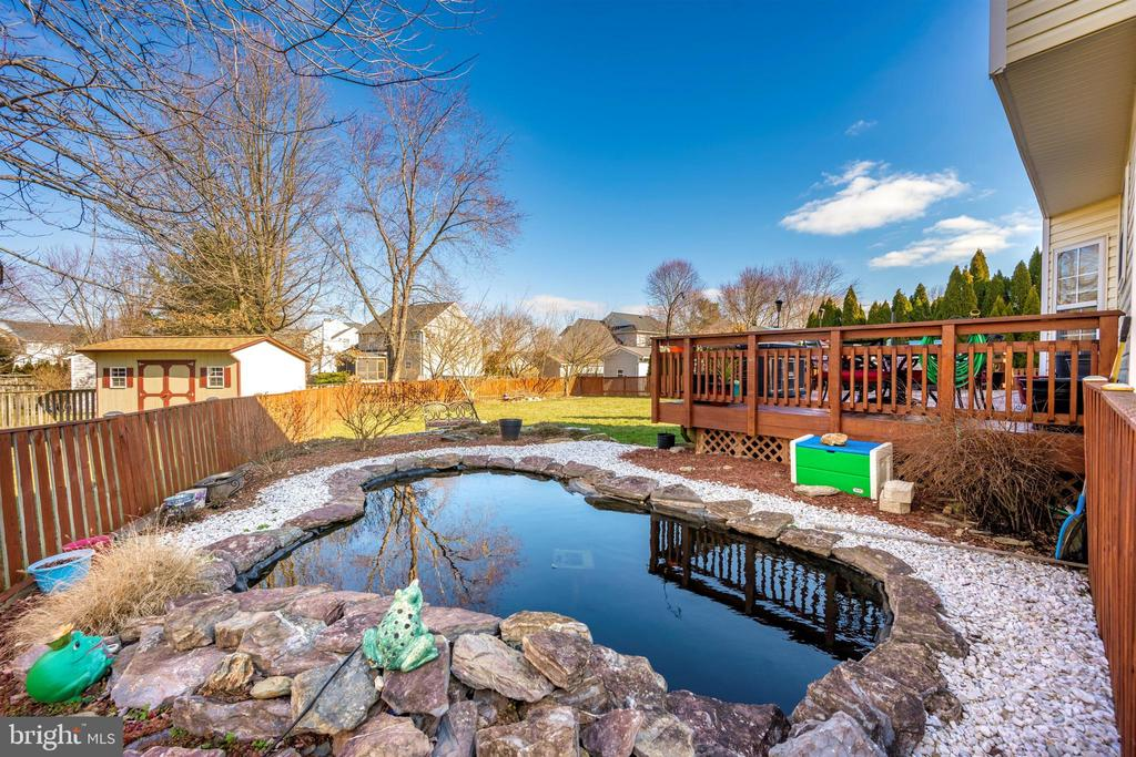 Koi Pond View - 111 CROSSTIMBER WAY, FREDERICK
