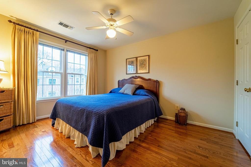 Spacious Bedroom 1 - 3910 BARCROFT MEWS CT, FALLS CHURCH