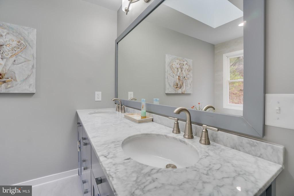 White Carrara Marble Double Sink Countertops - 2459 HARPOON DR, STAFFORD