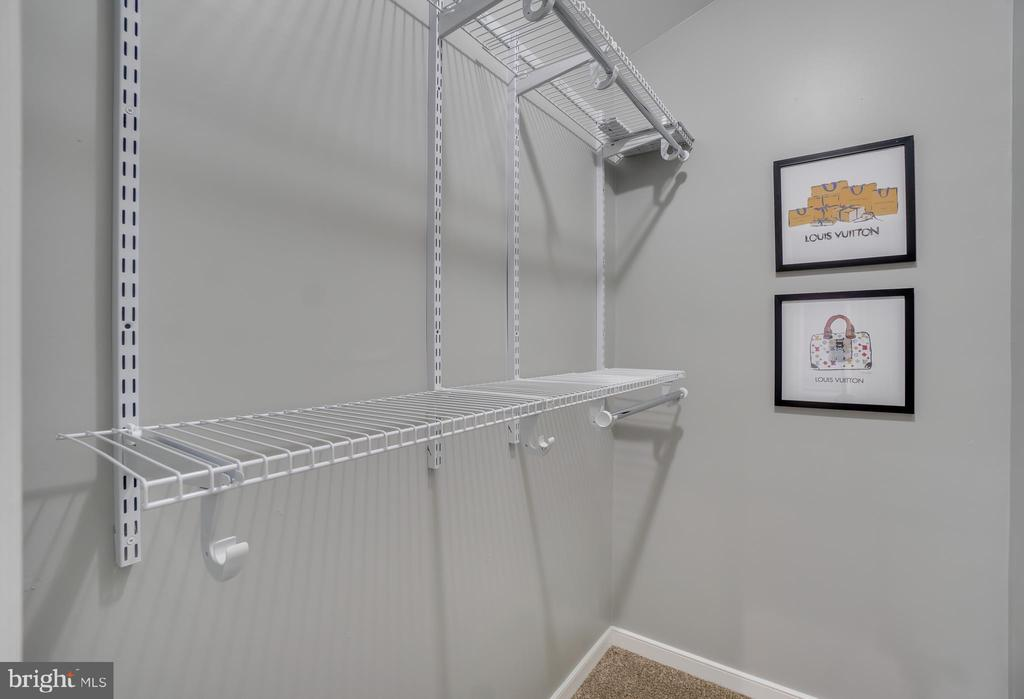 Shelving in Master Closet - 2459 HARPOON DR, STAFFORD