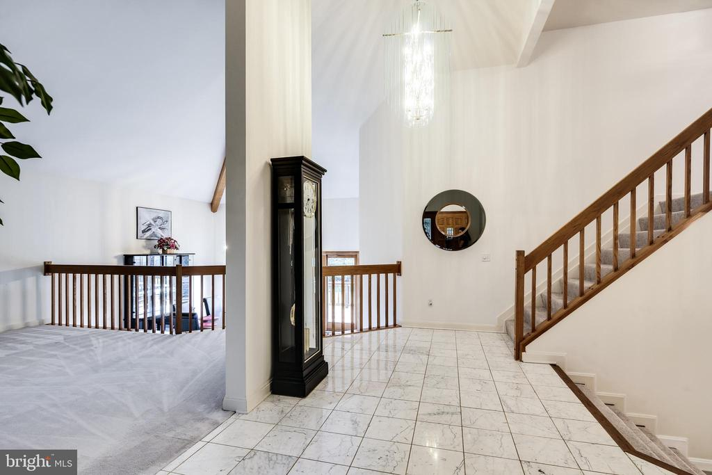 ENTRANCE FOYER - 17532 COUNTRY VIEW WAY, MOUNT AIRY