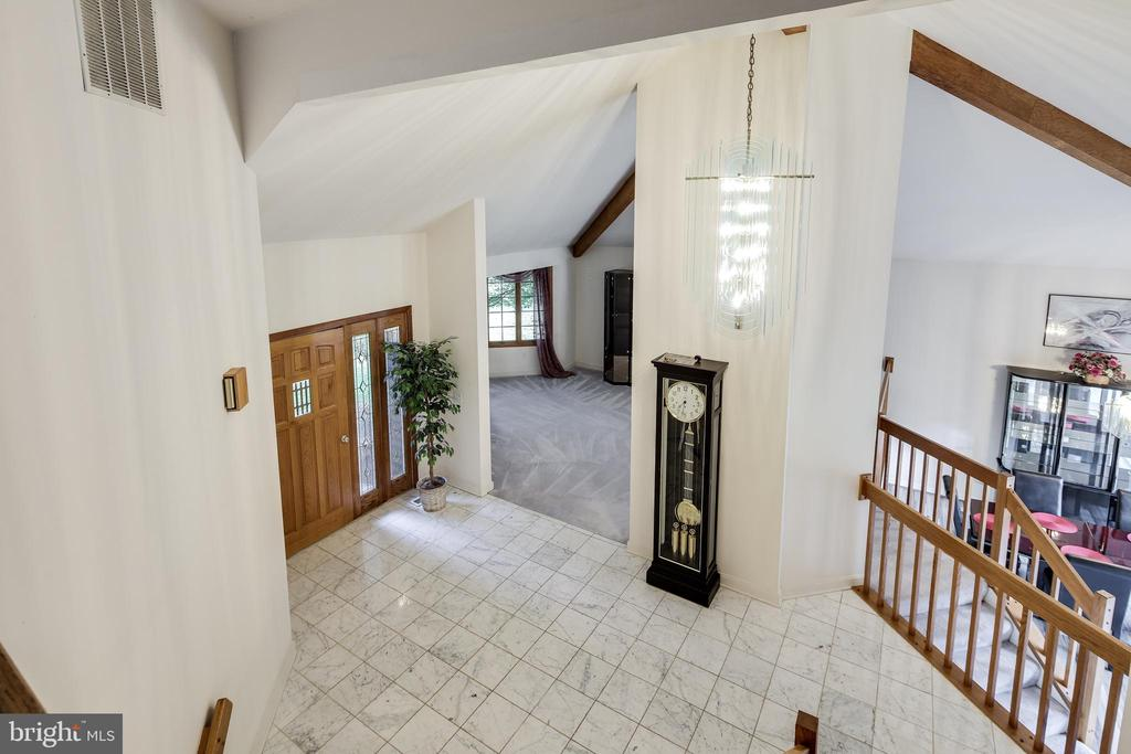 FOYER OVERLOOK - 17532 COUNTRY VIEW WAY, MOUNT AIRY