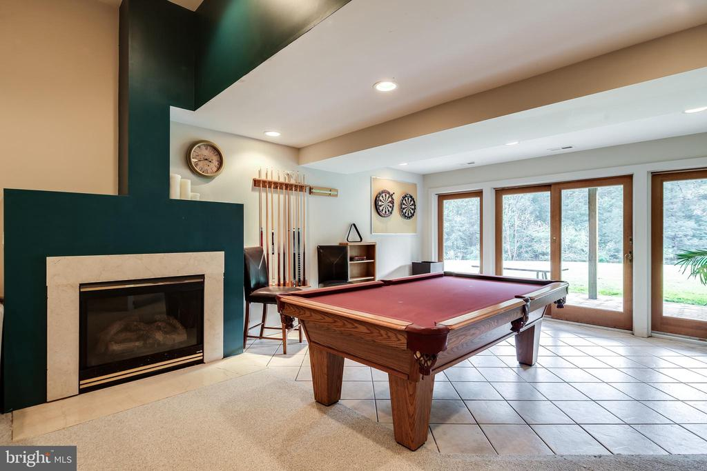 SECOND FAMILY ROOM / GAME ROOM - 17532 COUNTRY VIEW WAY, MOUNT AIRY