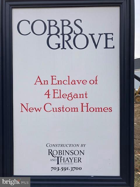 - 10501 COBBS GROVE LN, FAIRFAX