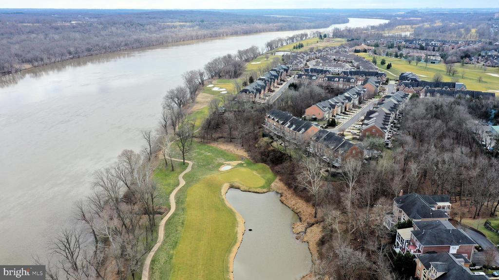 River Creek community and golf course - 18215 CYPRESS POINT TER, LEESBURG