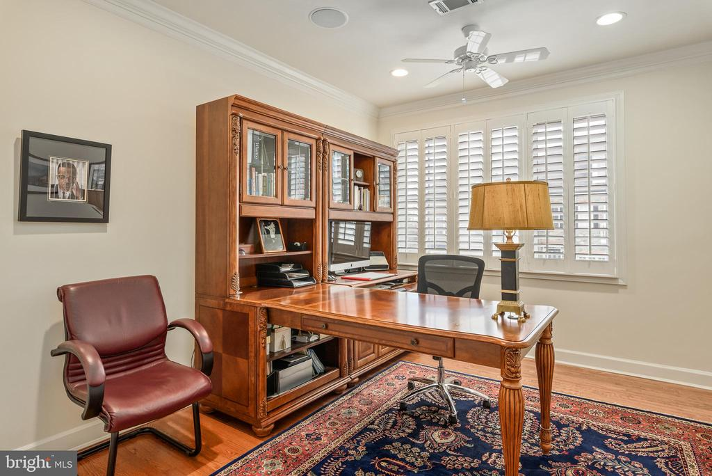 Office - 18215 CYPRESS POINT TER, LEESBURG