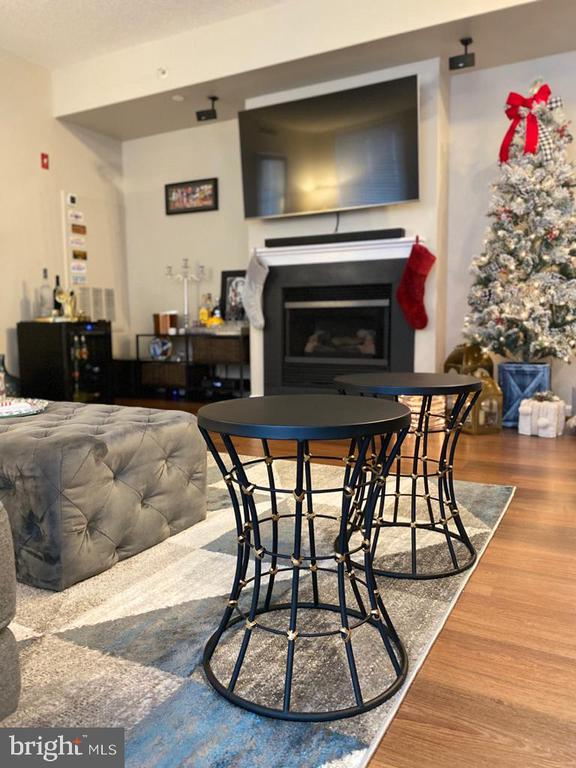 Family room w/gas fireplace - 11710 OLD GEORGETOWN RD #1108, ROCKVILLE