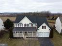 Spacious colonial with front porch on .42 acre lot - 429 AUTUMN CHASE CT, PURCELLVILLE
