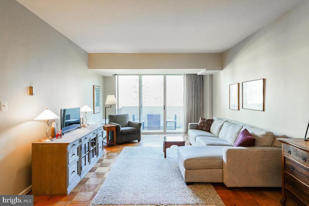 Living area with balcony - 2939 VAN NESS ST NW #530, WASHINGTON