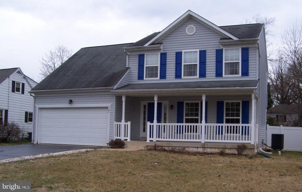 COLONIAL WITH 2 CAR GARAGE - 102 PHILLIPS ST, FREDERICKSBURG