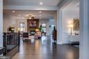 Stunning foyer opens to grand floor plan - 23734 HEATHER MEWS DR, ASHBURN