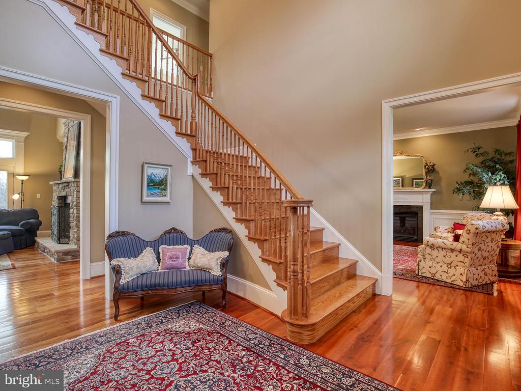 Entry Foyer - 641 STONYMEADE DR, WINCHESTER