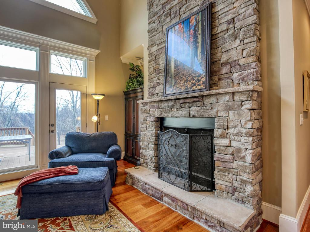 Great Room Stone Fireplace - 641 STONYMEADE DR, WINCHESTER