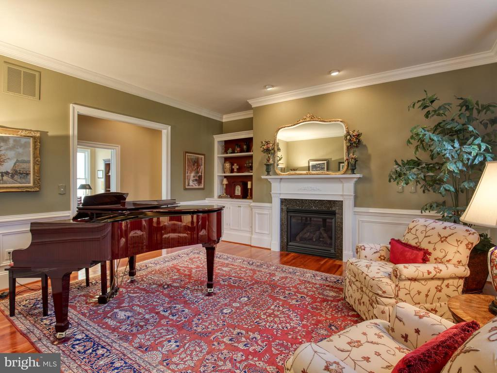 Living Room - 641 STONYMEADE DR, WINCHESTER