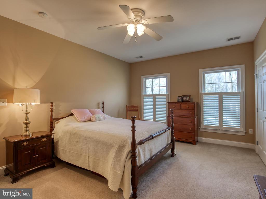 Bedroom 2 Upper Level - 641 STONYMEADE DR, WINCHESTER