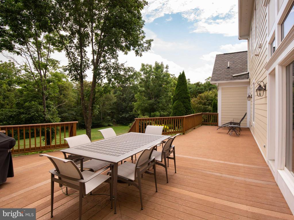 40 x 20 Deck off of Great Room - 641 STONYMEADE DR, WINCHESTER