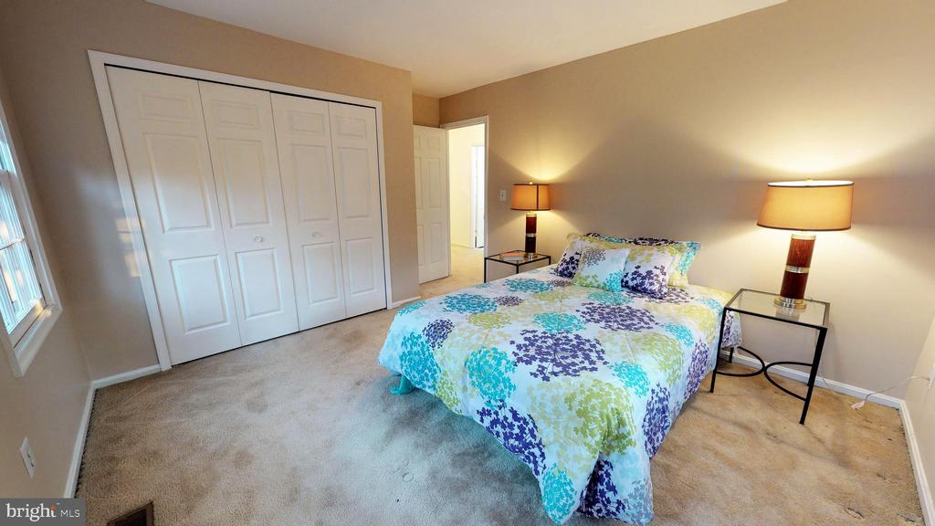 2nd bedroom - 6935 COLBURN DR, ANNANDALE