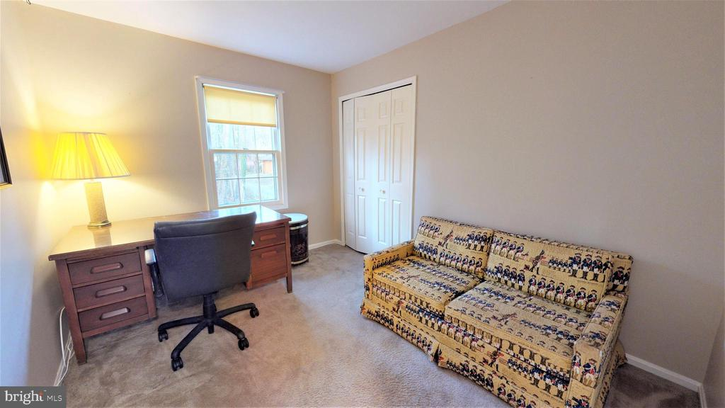 4th bedroom/office - 6935 COLBURN DR, ANNANDALE