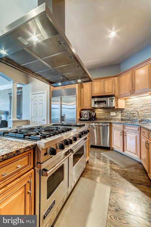 Sparkling stainless steel - 18212 CYPRESS POINT TER, LEESBURG