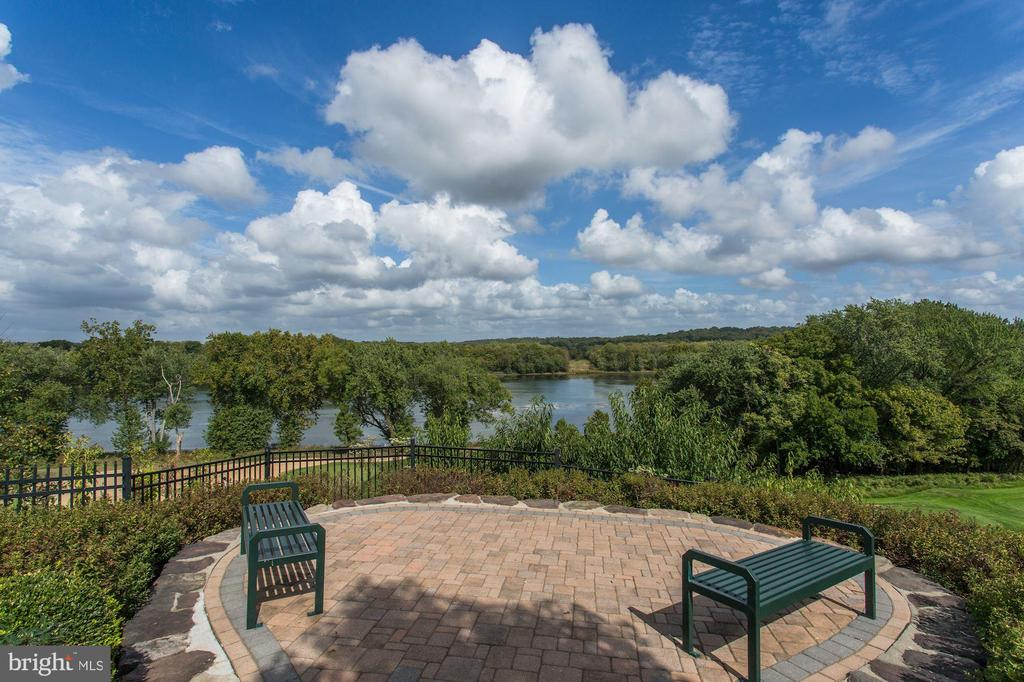 River Creek is heaven on earth! - 18212 CYPRESS POINT TER, LEESBURG