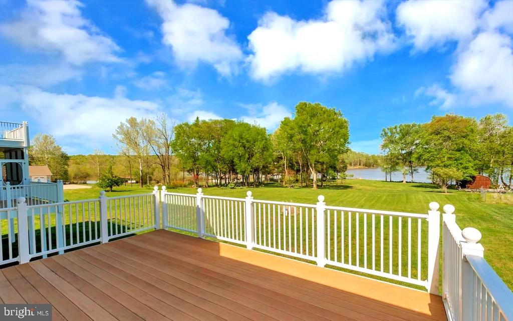 REAR DECK OVERLOOKING LAKE ANNA - 26515 PENNFIELDS DR, ORANGE