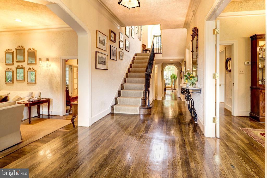 Foyer - 6412 ELMWOOD RD, CHEVY CHASE