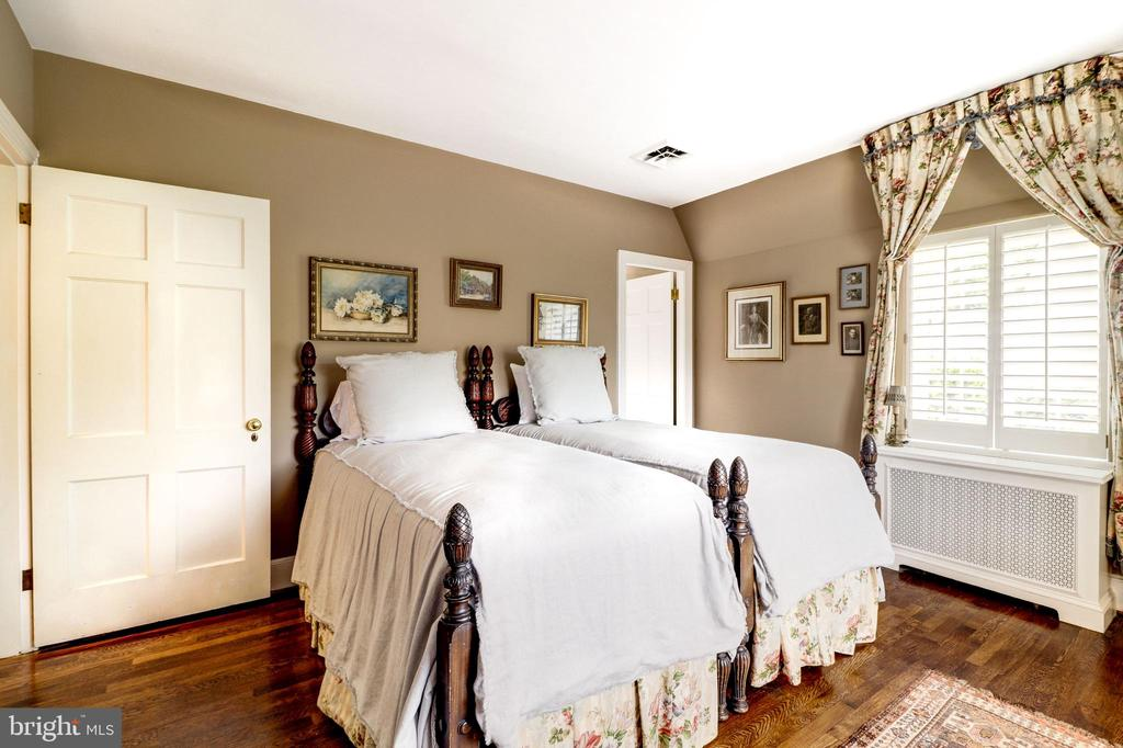 Second Bedroom - 6412 ELMWOOD RD, CHEVY CHASE