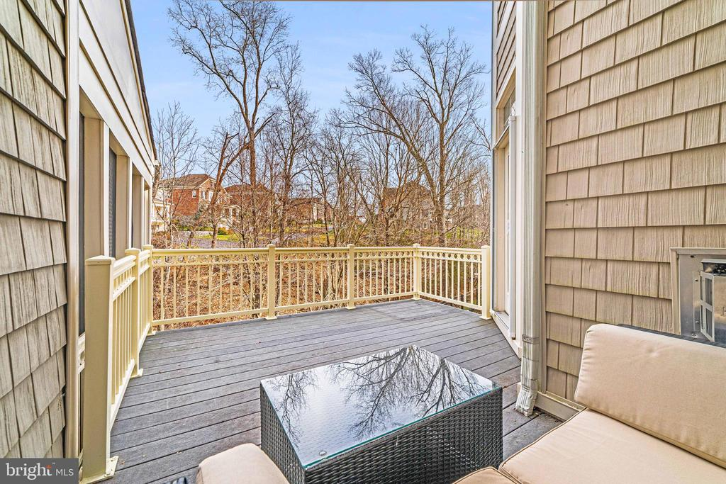 Elevated balcony with wooded views - 18212 CYPRESS POINT TER, LEESBURG