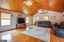 Vaulted Ceilings & Ceiling Fan in Family Room - 300 EDWARDS DR, FREDERICKSBURG