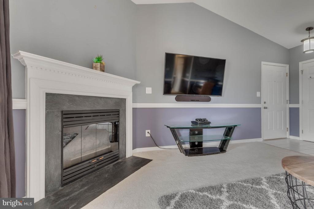 Fireplace - 10998 KOMAN CIR #304, MANASSAS