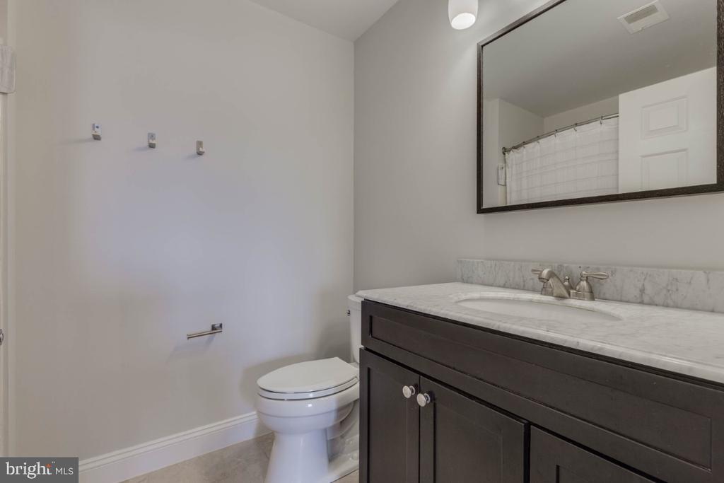 Master bathroom - 10998 KOMAN CIR #304, MANASSAS
