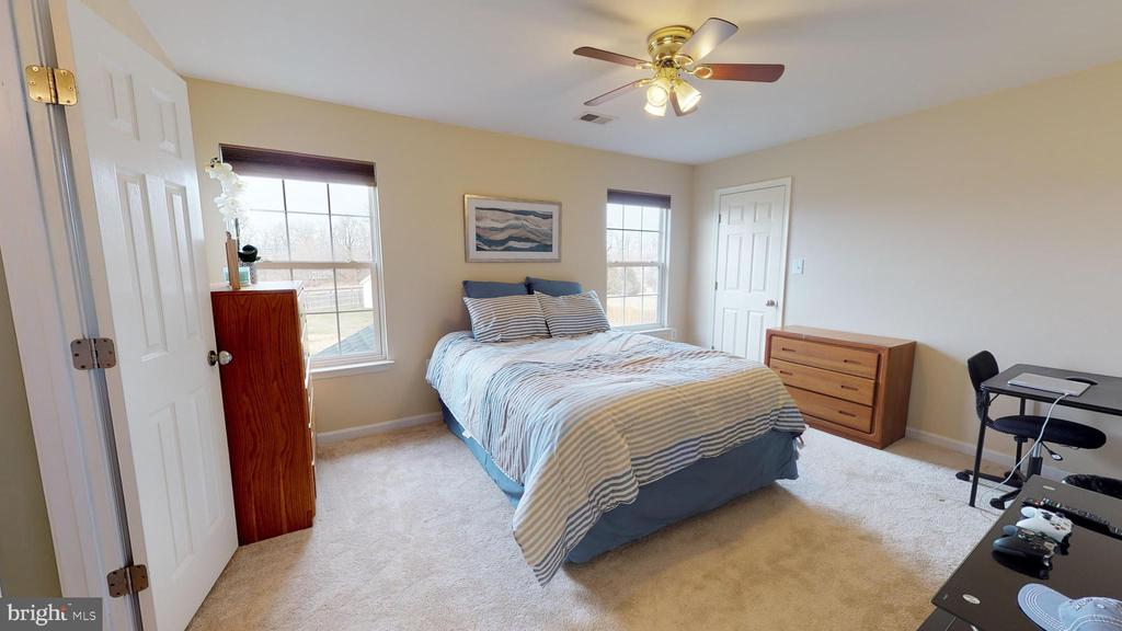 3rd bedroom - 429 AUTUMN CHASE CT, PURCELLVILLE