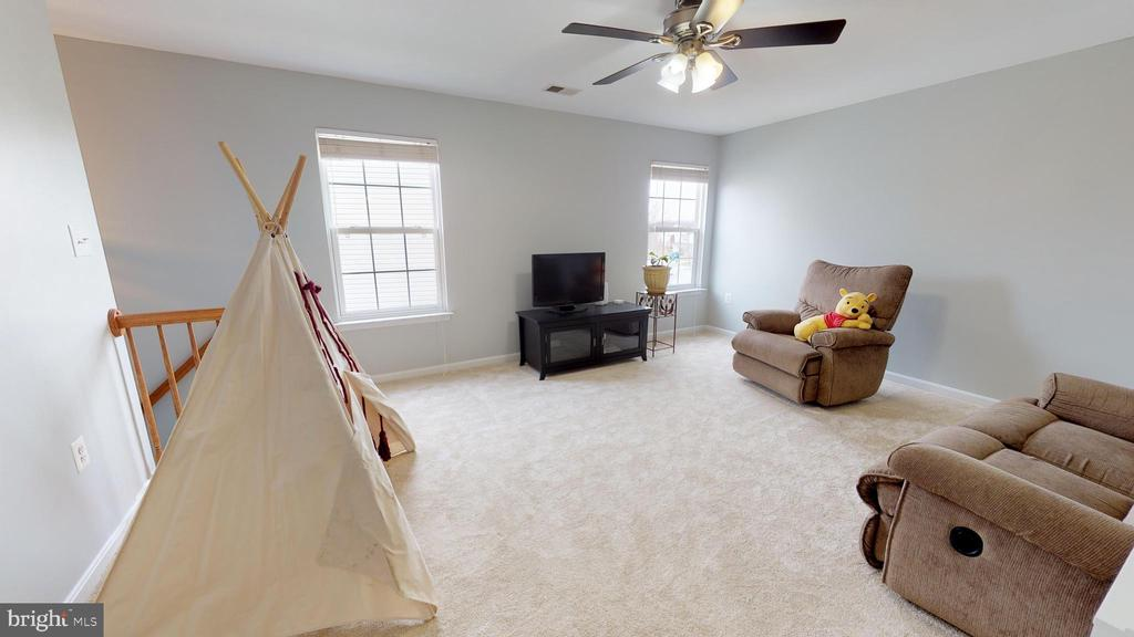 Bonus room or 5th bedroom - 429 AUTUMN CHASE CT, PURCELLVILLE