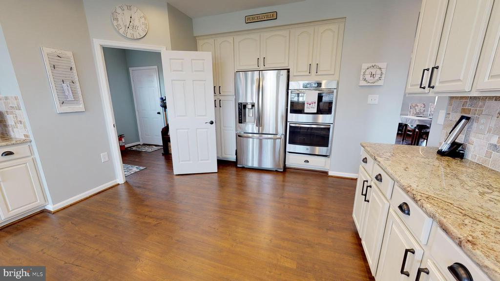 Stainless steel appliances - 429 AUTUMN CHASE CT, PURCELLVILLE