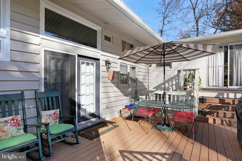 Large Deck - 45550 LAKESIDE DR, STERLING