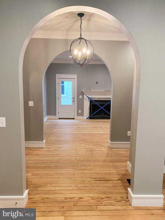 View From Kitchen to Family Room - 812 WEEDON ST, FREDERICKSBURG