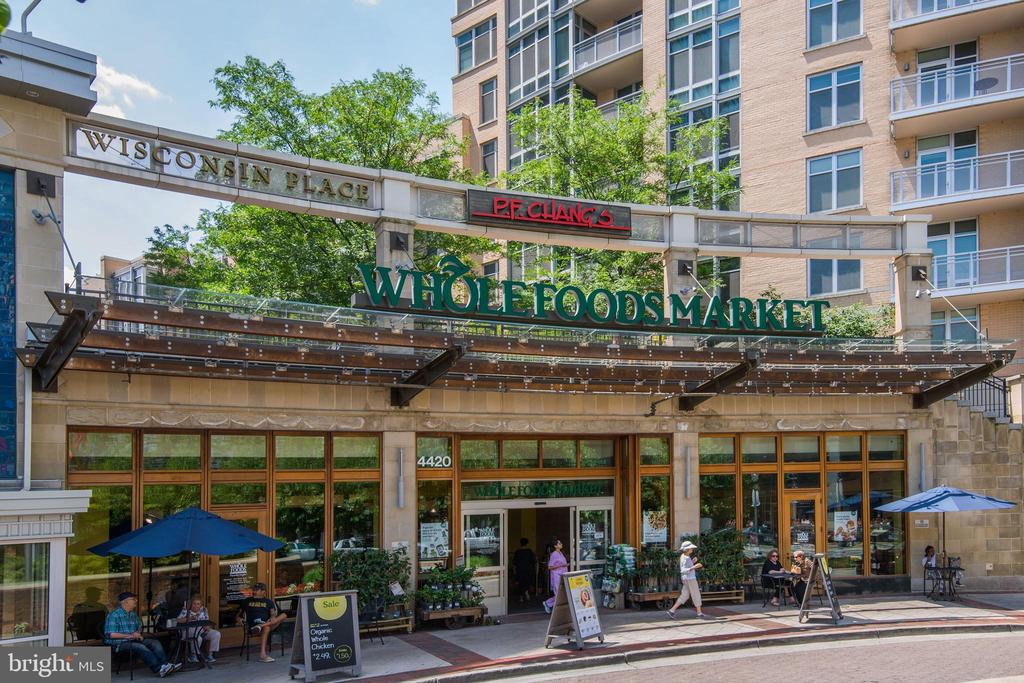 Walkable to Whole Foods and Trendy Restaurants - 5113 WESTERN AVE NW, WASHINGTON