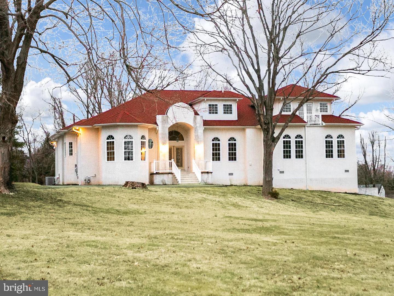 Single Family Homes para Venda às Ewing, Nova Jersey 08628 Estados Unidos