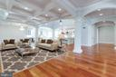 Expansive Family room - 120 KINGSLEY RD SW, VIENNA