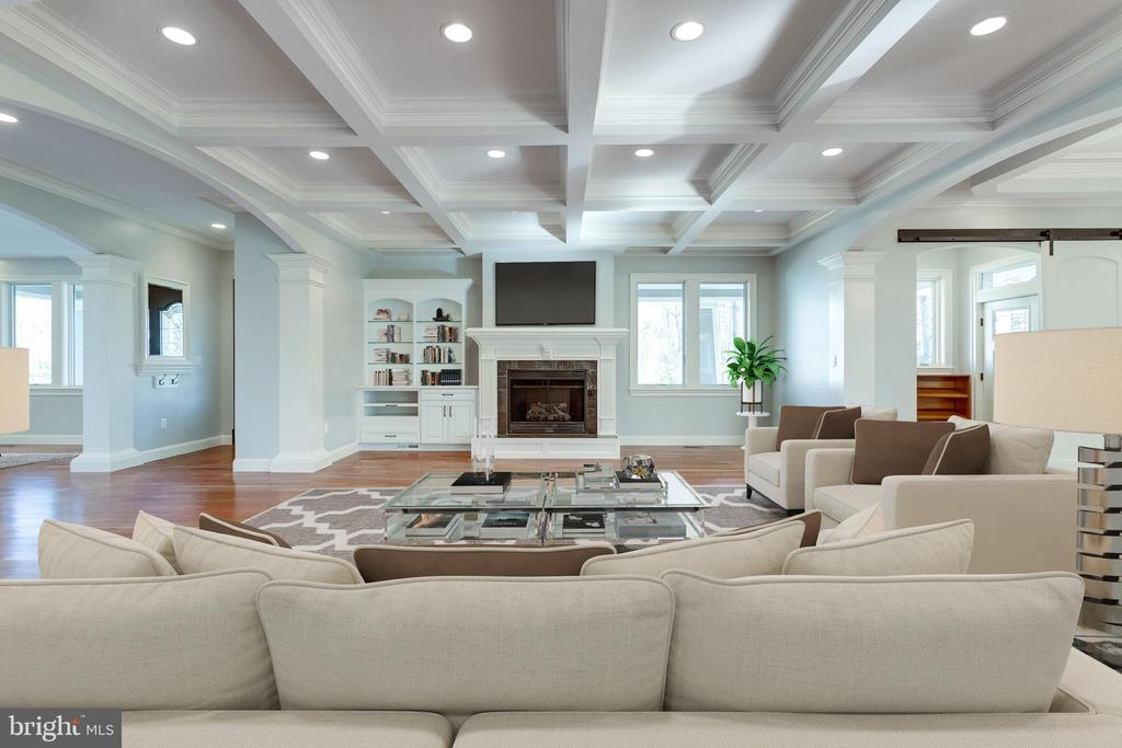 Beautiful coffered ceiling in family. - 120 KINGSLEY RD SW, VIENNA